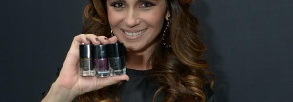 Giovanna Antonelli e suas novas cores de esmalte