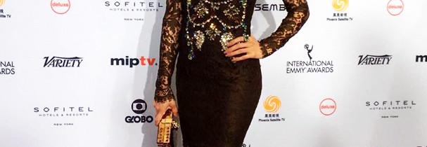 Grazi Massafera lindíssima no Emmy Internacional e + globais na premiação
